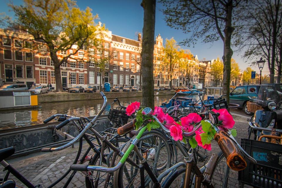 amsterdam-1089647_960_720